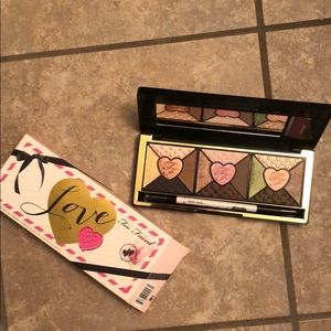 Too Faced Love Eyeshadow Pallet
